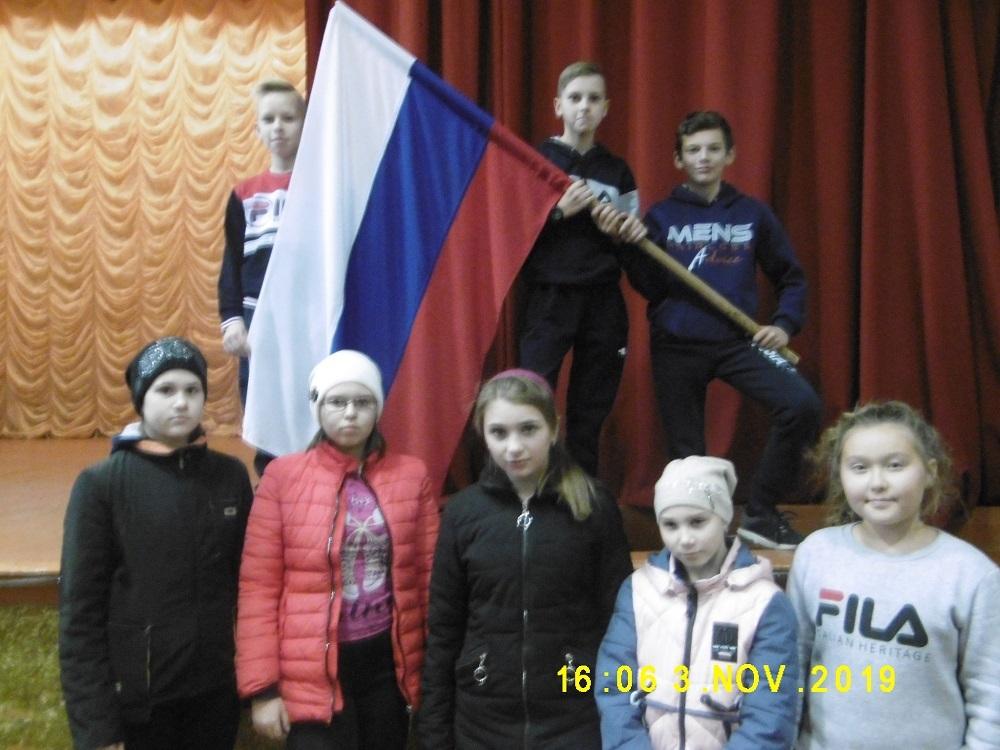 О подвигах Минина и Пожарского узнали ребята на празднике в станице Вольно-Донской