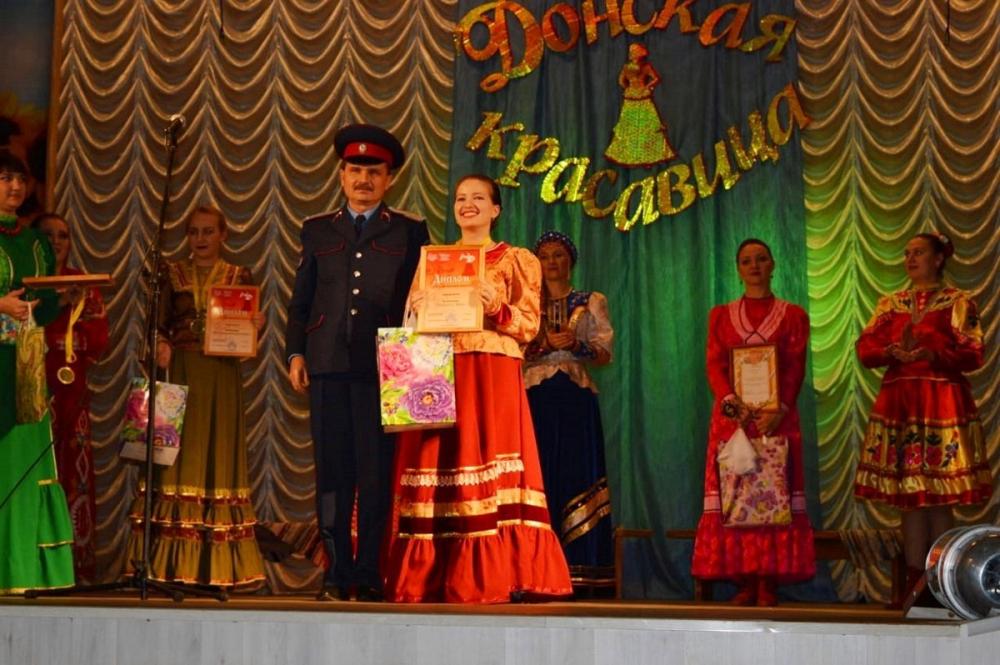 Лучшей «Певуньей Дона» признали казачку из Морозовского района