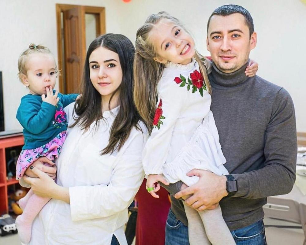 Блогер Инесса Зосена и ее популярная дочь приготовят Морозовский борщ на Первом канале