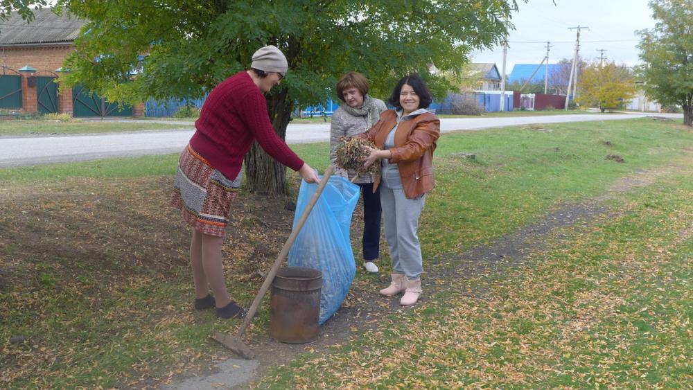 Морозовск и места отдыха на реке Быстрой очистили от мусора на общегородском субботнике