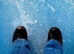 Второклассница провалилась под лед в Ростовской области