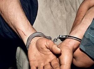 Полиция задержала мужчину, порезавшего ножом морозовчанина на улице Набережной