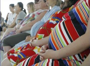 Вопрос-ответ: Неужели в Морозовске нет еще одного врача, чтобы прием беременных происходил быстрее?