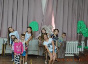 Конкурсную программу «Ключи от лета» провели для детей в сельском клубе хутора Вишневка