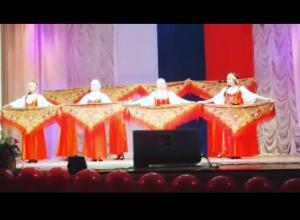 Видео концерта в доме культуры ко Дню народного единства в Морозовске появились в Сети