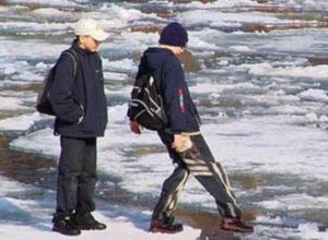 Штраф могут заплатить морозовчане за опасные прогулки детей по льду