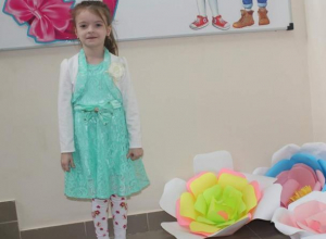 Сергей Акулиничев поздравляет крестницу с Днем рождения