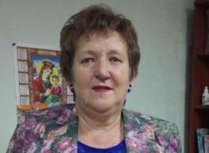 Старшую медсестру детской поликлиники поздравили коллеги