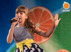 Фестиваль «Детство цвета апельсина» снова покорился конкурсанткам из Морозовска