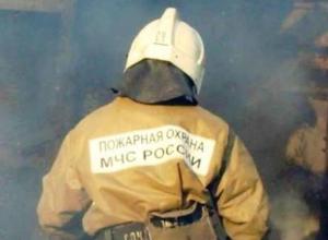 Пенсионерка погибла в ночном пожаре на улице Дзержинского в Морозовске