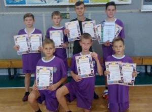 Второе место из 18-ти команд в областном турнире по мини-футболу занял «Феникс» из Морозовска