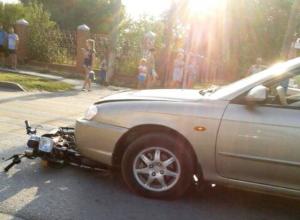 15-летняя девушка-пассажир мопеда пострадала в Морозовске