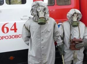 Оперативным службам предложили идти на таран: пожарные Морозовска против