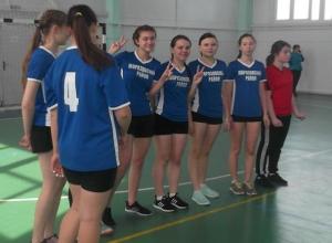 Волейболистки Морозовска уступили первенство командам из других городов