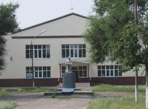 Хутор Грузинов до революции принадлежал древнему казачьему дворянскому роду