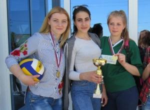 Волейболистки из Вишневки обыграли соперниц в посвященных Дню Победы соревнованиях