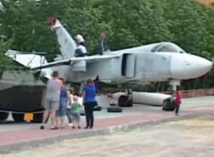 Фронтовой бомбардировщик из Морозовска стал экспонатом музея в Воронежской области