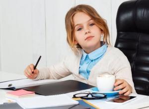 Организации Морозовского района попросили организовать временные рабочие места для подростков