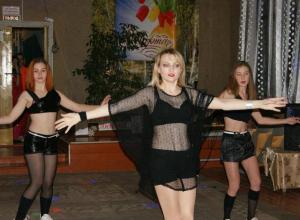 Женский день в Вознесенском Доме культуры провели с развлекательной игрой «ЧТО? ГДЕ? КОГДА?»