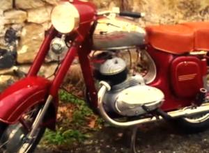 Историю мотоцикла легендарного мотоцикла Ява 350 рассказал видеоблогер в Морозовском районе