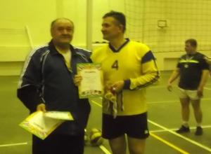 Команда «Ветеран - Нива» заняла лидирующее место на первенстве Морозовска по волейболу среди мужчин