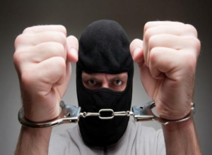 Четырежды судимый морозовчанин вновь получил срок за кражи