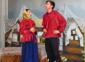 Появилось много видео увлекательных представлений театрального фестиваля в Морозовске