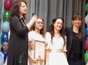Голос из зала нарушил торжественность церемонии награждения конкурса «Гвоздики Отечества» в Морозовске