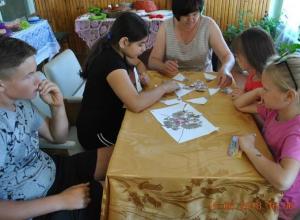 Веселую и познавательную программу в честь  Дня России подготовили для детей в хуторе Вишневка