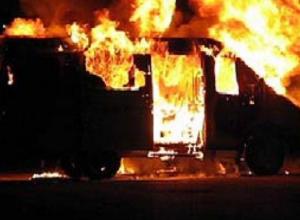 Спасатели МЧС оперативно потушили загоревшуюся ГАЗель в Морозовске