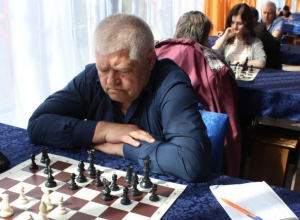 Шахматисты Морозовска привезли из Неклиновского района кубок за второе место в областном первенстве