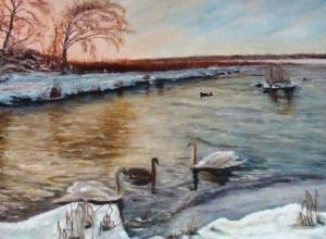 Лебедей на зимовке, последний луч заката, тающий на ягодах калины снег изобразили талантливые художники Морозовска для весенней выставки
