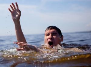 Как не погибнуть при спасении утопающего и выжить в купальный сезон