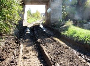 Пути объезда переезда и центрального туннеля в Морозовске оказались труднопроходимыми