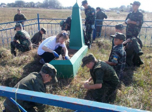 Кадеты навели порядок на могилах времен ВОВ в хуторе Морозов