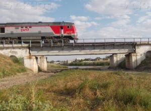 Морозовчанке ответили из РЖД: открытие переезда из одной части города в другую допускается