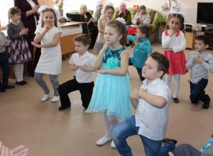 Воспитанники детского сада «Сказка» посетили Центр Социального Обслуживания граждан пожилого возраста и инвалидов