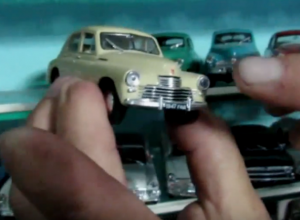 Послевоенные модели «Победы», «Волги» и «Чайки» показал на видео коллекционер в Морозовске