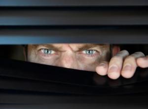 46-летнего морозовчанина обвинили в нарушении неприкосновенности частной жизни его бывшей жены