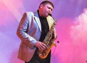 Опубликован фоторепортаж праздничного концерта ко Дню работника культуры в Морозовске