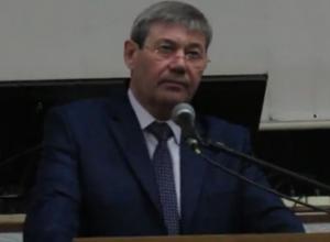 Глава городской администрации Морозовска пообещал извиниться, если ему покажут вечером темные улицы с централизованным освещением