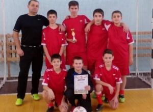 Серебряное начало марта: «Каменка» из Морозовска дважды заняла второе место в больших футбольных турнирах