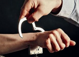 Изготовившим наркотики из дикорастущей конопли морозовчанам назначили более трех лет лишения свободы