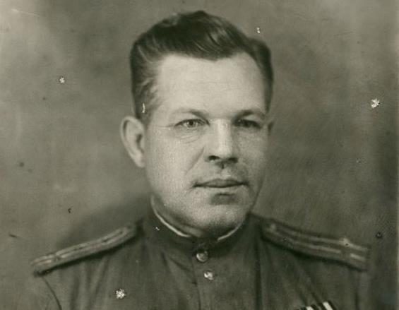 Летчик-испытатель Яков Моисеев из станицы Морозовской совершил рекордный по дальности перелет