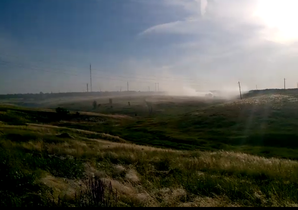 Местный житель снял видео о том, как городская свалка Морозовска горит и в День России