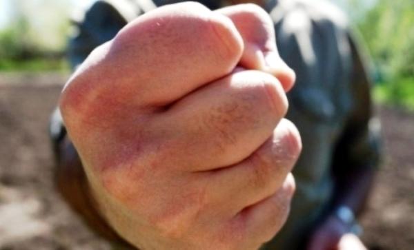 Суд приговорил морозовчанина за избиение участкового