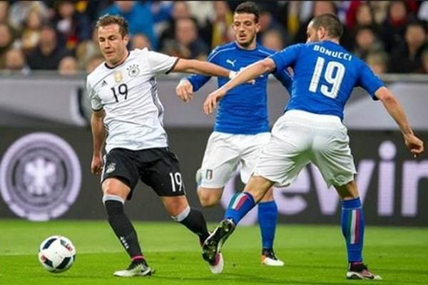 Счет предстоящей «битвы гигантов» Германия - Италия уверенно предсказали маленькие болельщики Морозовска