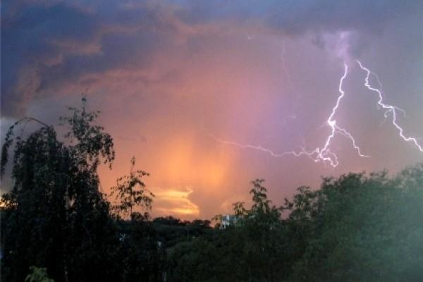 МЧС продлило сроки штормового предупреждения в Морозовске и Ростовской области