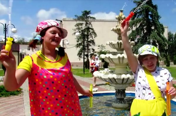 Жители Морозовска поздравили любимый город с Днем рождения