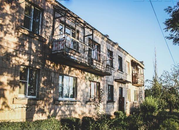 Мэр Морозовска пояснил жильцам проблемного дома причину отказа в помощи